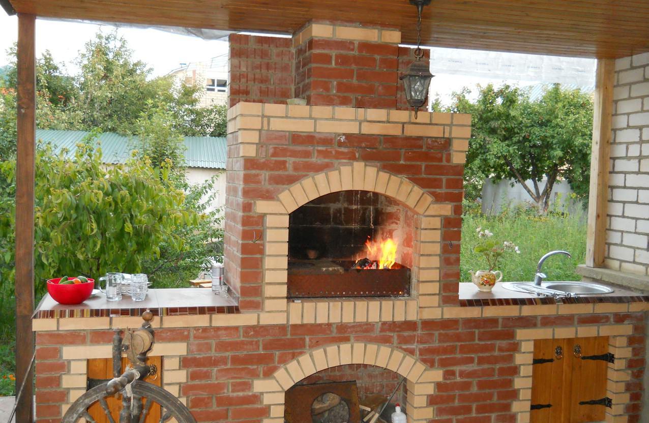 Барбекю как построить летняя кухня с баней барбекю